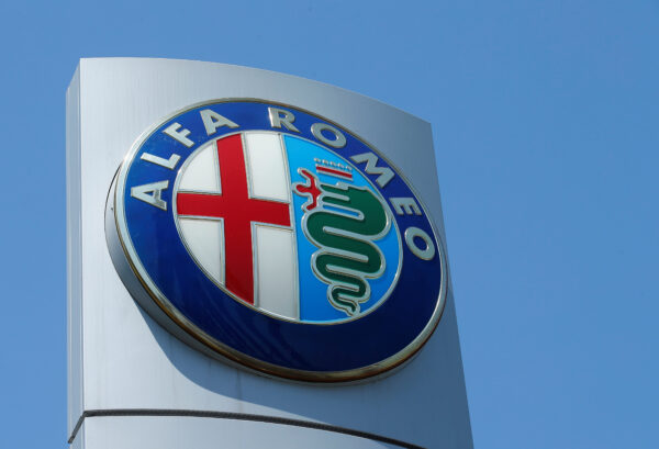 An Alfa Romeo logo