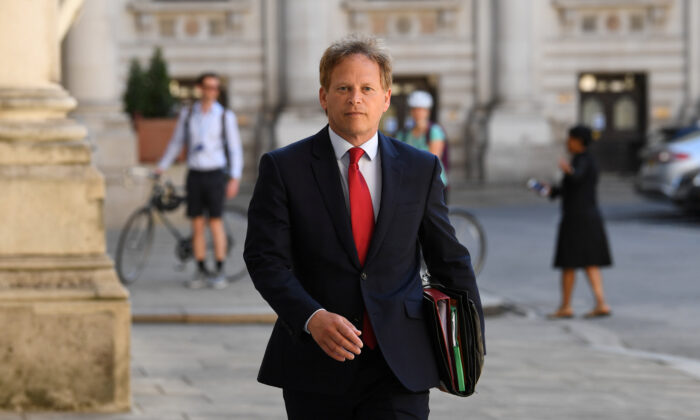 Britain's Secretary of State for Transport Grant Shapps arrives at the Foreign and Commonwealth Office (FCO), ahead of a cabinet meeting to be held at the FCO, for the first time since the COVID-19 lockdown in London, Britain, on July 21, 2020. (Stefan Rousseau/Pool via Reuters)