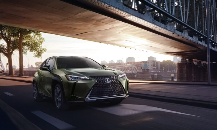 2020 Lexus UX 250 in Nori Green paint. (Courtesy of Lexus)