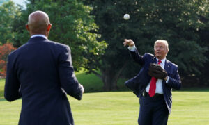Trump to Throw First Pitch at Upcoming Yankees Game