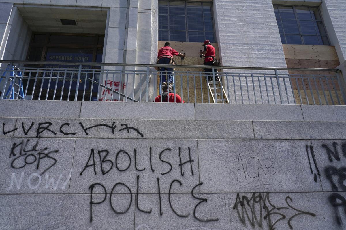 Identity Politics Is a Tool to Break Down America: Expert
