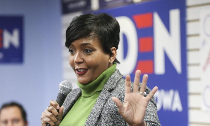 Atlanta Mayor Keisha Lance Bottoms speaks in Cedar Rapids, Iowa, on Jan. 10, 2020. (Rebecca F. Miller/The Gazette via AP/ File)