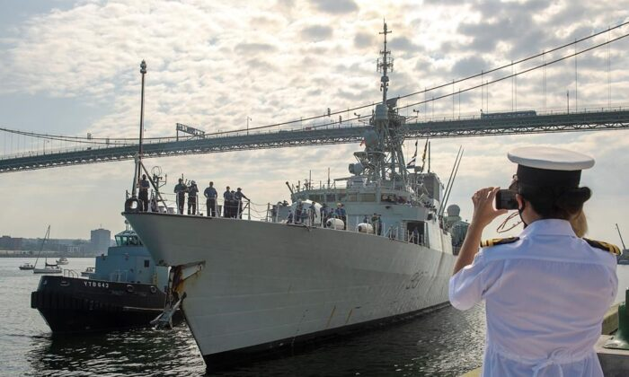 The Halifax-class frigate HMCS Fredericton returns to Halifax on July 28, 2020 after completing a six-month deployment in the Mediterranean Sea. (Andrew Vaughan/The Canadian Press)