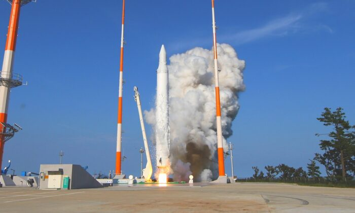 """The first home-launched satellite of South Korea, carried by rocket """"Naro (KSLV-I),"""" is launched from Naro space center in Goheung, South Korea on Aug. 25, 2009. (Korea Aerospace Reseacher Institute via Getty Images)"""