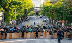 Federal Agents Pull Out of Seattle, Mayor Says