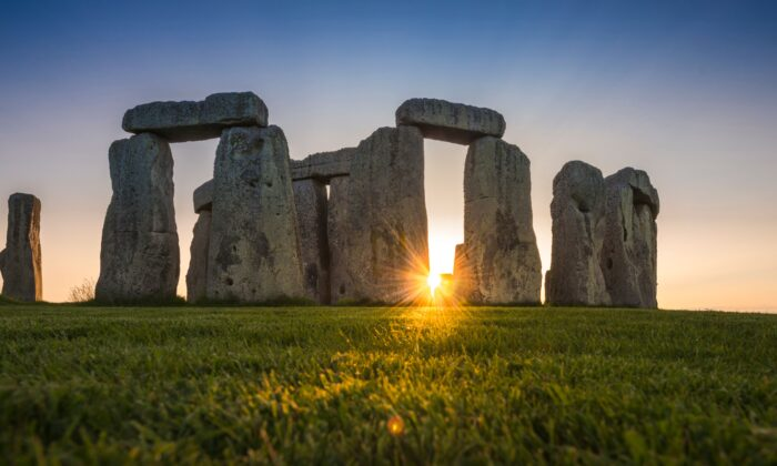 Sunset at Stonehenge. (Andre Pattenden/English Heritage)
