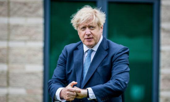 UK Halts Lockdown Easing as CCP Virus Cases Rise