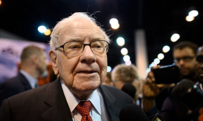 Warren Buffett, CEO of Berkshire Hathaway, speaks to the press as he arrives at the 2019 annual shareholders meeting in Omaha, Nebraska, May 4, 2019. (Johannes Eisele/AFP via Getty Images)