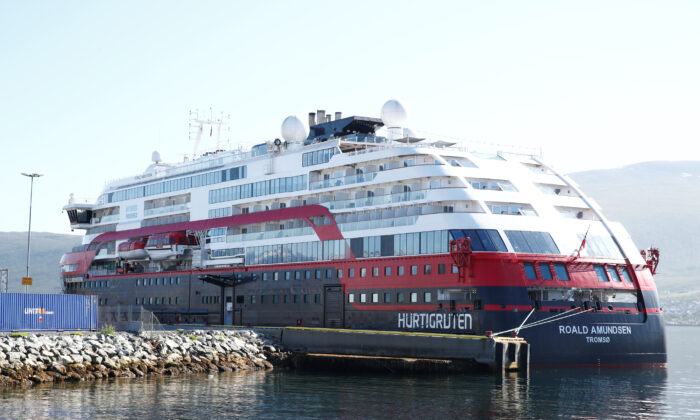 The Hurtigruten cruise liner MS Roald Amundsen is moored due the coronavirus disease (COVID-19) outbreak on board, in Breivika, Tromso, Norway, on August 3, 2020. (Terje Pedersen/NTB Scanpix/via Reuters)