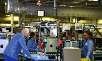 US Manufacturing Soars to 15-Month High: ISM