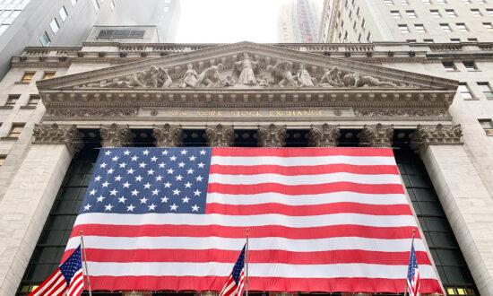 Stocks Rally Worldwide Following Stronger Economic Reports
