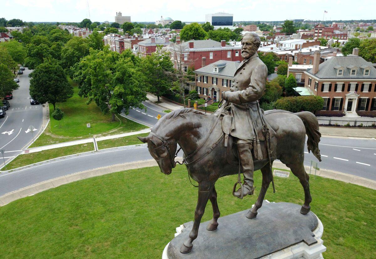 Gen. Lee statue
