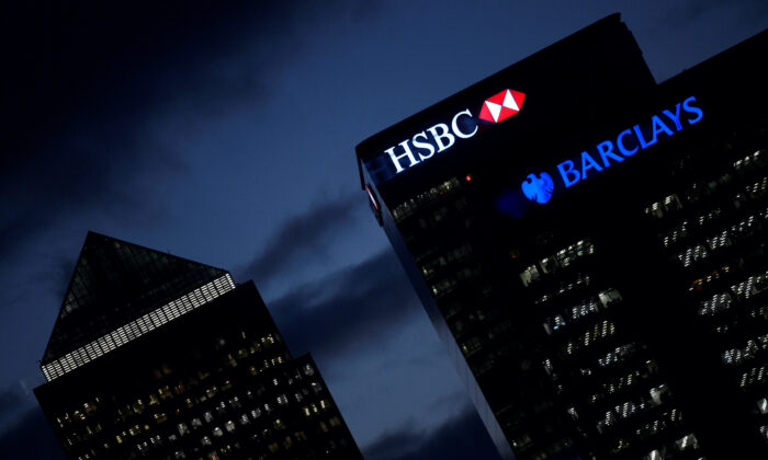 HSBC and Barclay's buildings in the Canary Wharf financial district of London, Britain, on Nov. 19, 2018. (Toby Melville/Reuters)