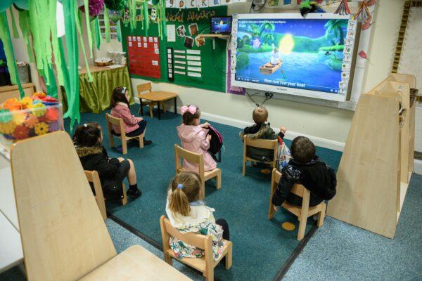 Children social distancing in school