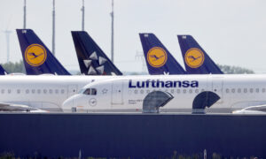 Lufthansa Plans Compulsory Lay-offs as Forecasts Travel Slump to 2024