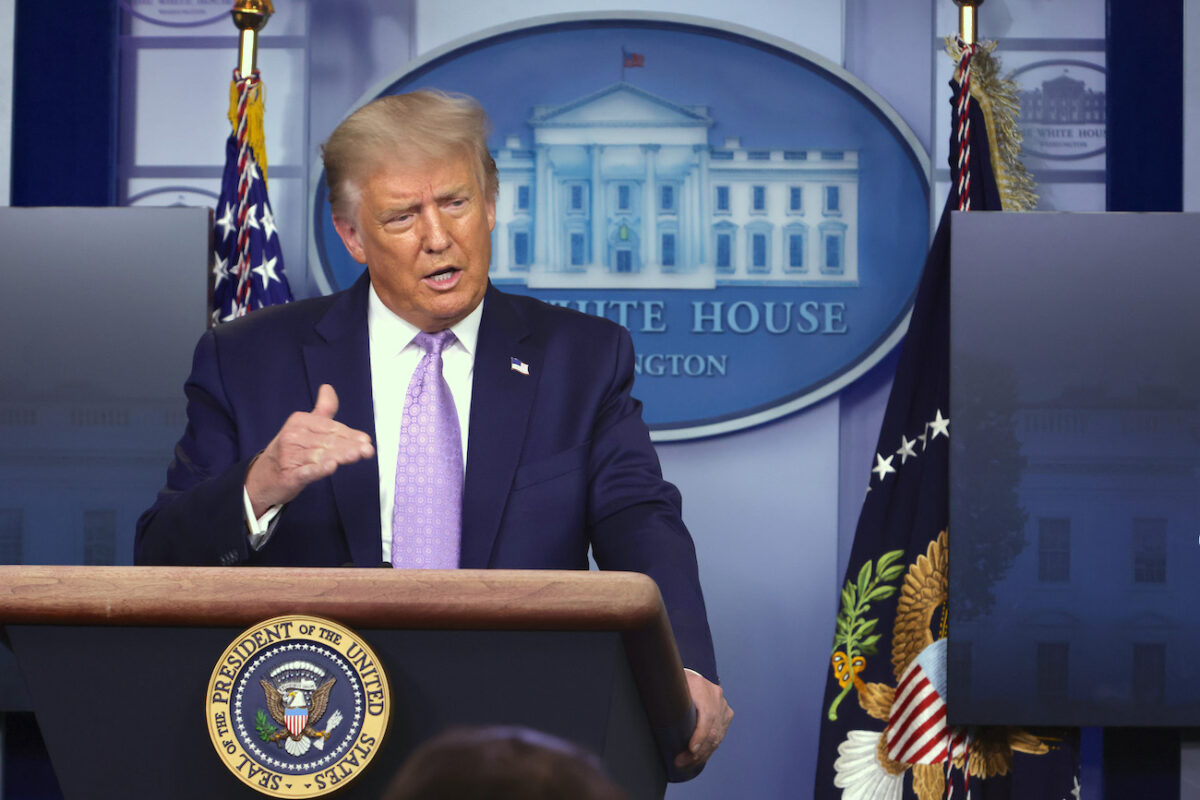 Trump Says Arizona Is `Model` for Reducing COVID-19...