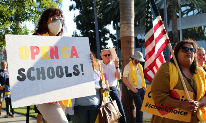 Orange County parents unite to protest Gov. Gavin Newsom's mandatory school closings for California counties with high rates of COVID-19 in Santa Ana, Calif., on Aug. 4, 2020. (Jamie Joseph/The Epoch Times)