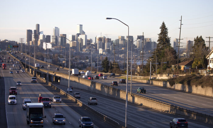 Rush hour traffic is lighter than normal during the morning commute heading in and out of Seattle on Interstate 5 in Seattle, Washington on March 16, 2020 (Karen Ducey/Getty Images).
