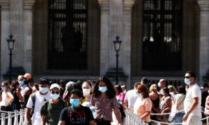 Paris Orders Mandatory Wearing of Masks Outdoors in Busy Areas as Virus Flares Up