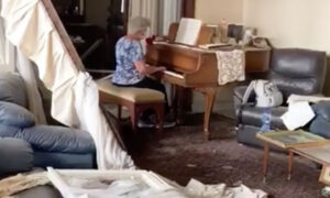 Grandma Plays 'Auld Lang Syne' on a Piano Surrounded by Rubble From the Beirut Explosion