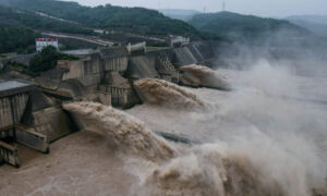 Heavy Rain Hits China's Yellow River Basin, Bringing Floods to Large Swathes of Country