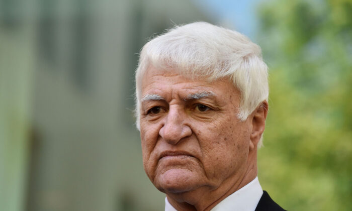 Australian MP Bob Katter holds a press conference to discuss issues facing his rural electorate in Canberra, Australia, on Feb. 14, 2018. (Michael Masters/Getty Images)