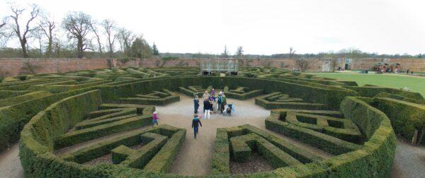 Blenheim_Palace_Maze