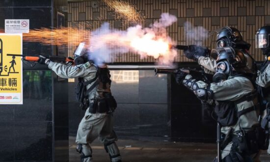 UK Lawmakers Urge Sanctions on HK Officials Due to Excessive Police Force