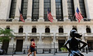 US Poised to Kick Chinese Companies Off NYSE, Nasdaq