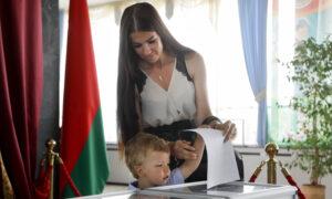 Belarus Holds Tense Presidential Vote; Aide Flees