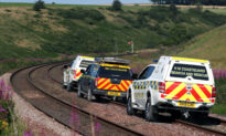 Three Killed in Train Derailment in Northeast Scotland