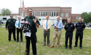Florida Sheriff Orders Employees Not to Wear Masks