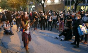 Chicago Residents Clash With Black Lives Matter Demonstrators Over Tactics
