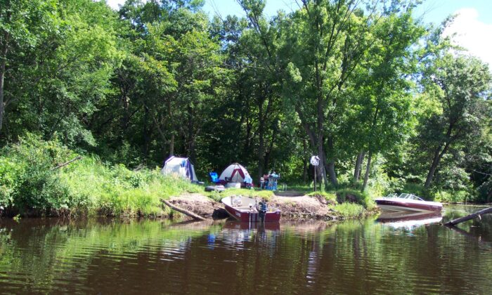 Campsites located along the St. Croix are available on a first-come basis to canoers and boaters. (National Park Service)