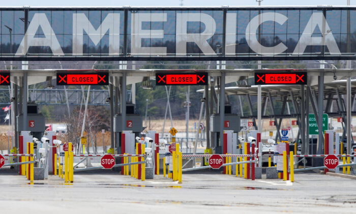 The U.S.-Canada border crossing is seen amid the CCP virus outbreak, in Lacolle, Quebec, Canada on April 17, 2020. (Christinne Muschi/Reuters)