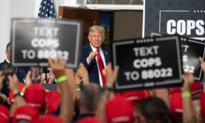 Largest New York City Police Union Endorses Trump