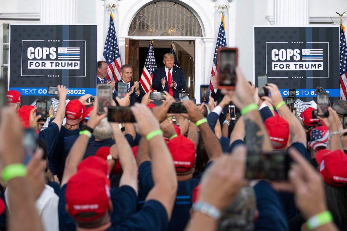 Largest NYPD Union Endorses President Trump