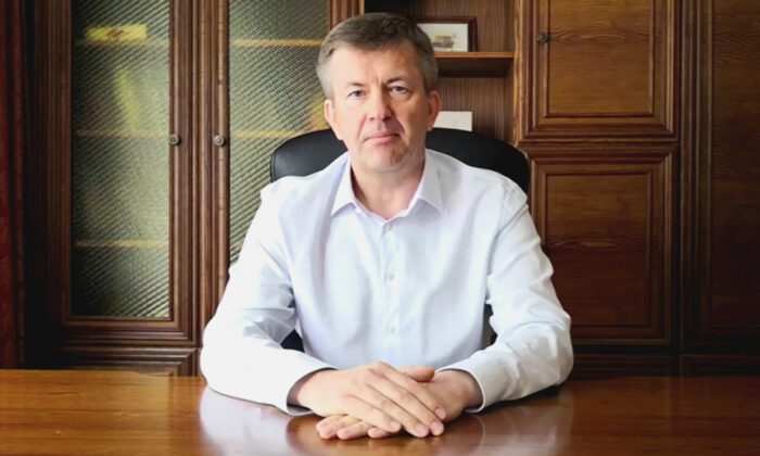 Belarus ambassador to Slovakia Igor Leshchenya declaring solidarity with protesters in belarus, seen in the image taken from a video released on Aug. 15, 2020. (Nashaniva via Reuters)