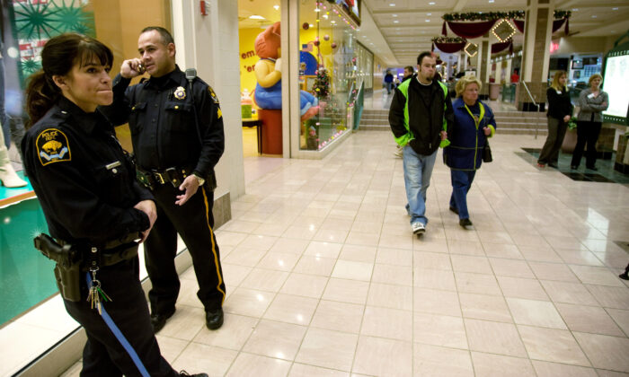 Omaha police officers in a mall in Omaha, Neb., in a file photo. (Eric Francis/Getty Images)