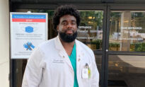 Former Security Guard at a Hospital Returns to Work on the Front Lines as a Medical Student
