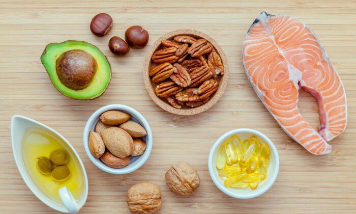 Omega-3 fatty acids can limit inflammation by stimulating free fatty acid receptor 4. ( Kerdkanno/Shutterstock)