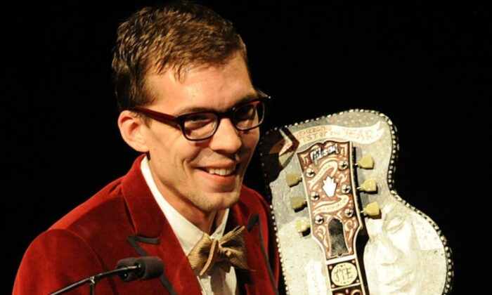Artist of the Year Justin Townes Earle accepts at the 8th annual Americana Honors and Awards at the Ryman Auditorium, on Sept. 17, 2009 in Nashville, Tennessee. (Rick Diamond/Getty Images)