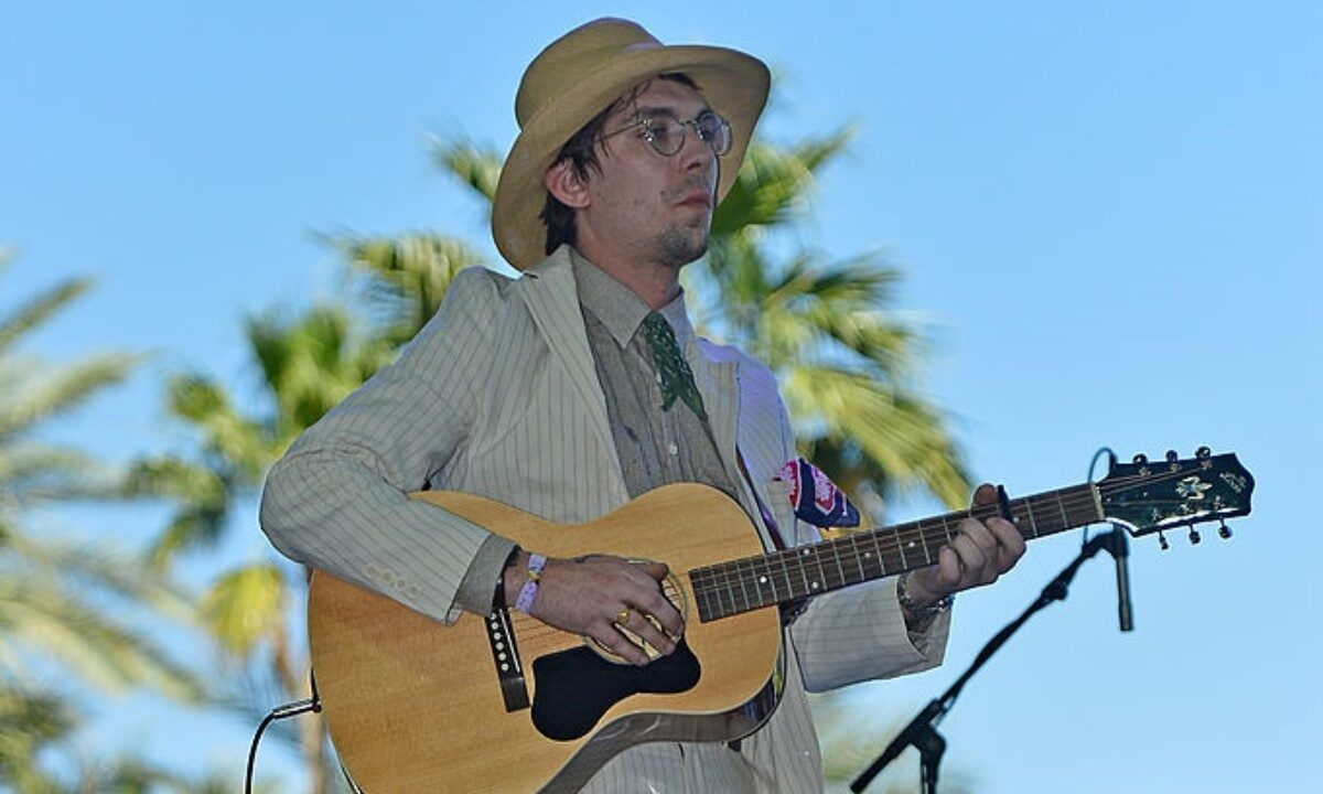 Justin Townes Earle performs