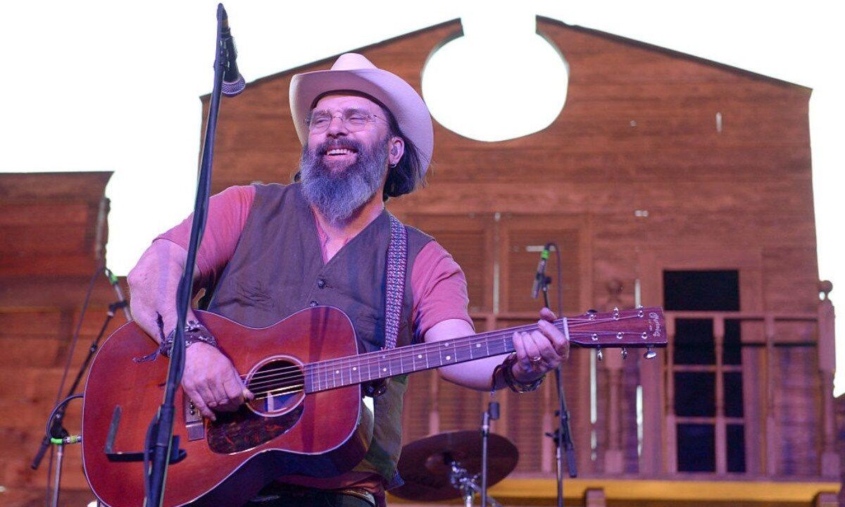 Musician Steve Earle