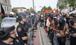 Support for Black Lives Matter Falls in Wisconsin: Poll