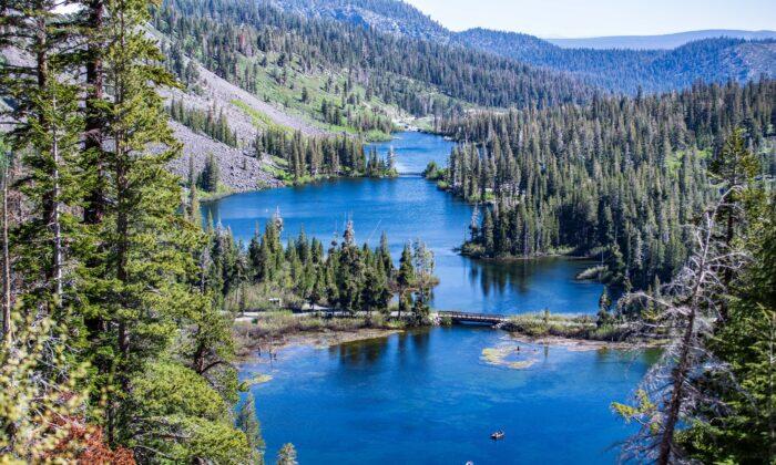 Lake Basin area. (Courtesy of Mammoth Lakes Tourism)