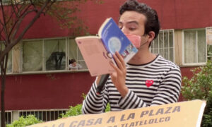 Mexican Storyteller Amuses Children Stuck at Home Amid Pandemic