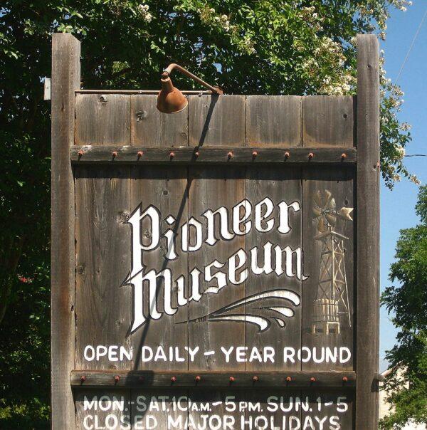 Pioneer_Village_Museum,_Fredericksburg,_Texas