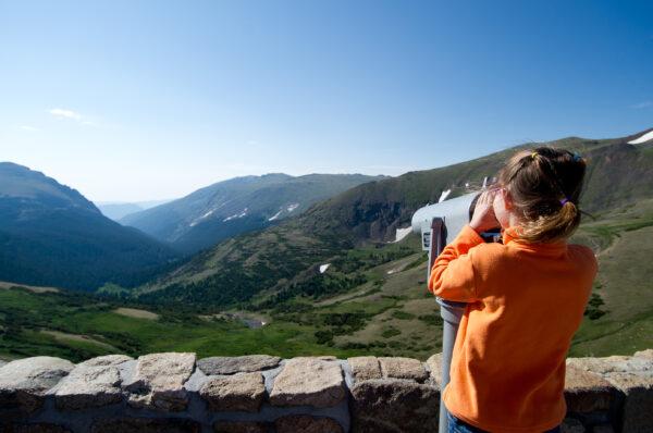 Photo-by-Davis-Tilley-Photography_Courtesy-Visit-Estes-Park_Alpine-Visitor-Center-at-Trail-Ridge2