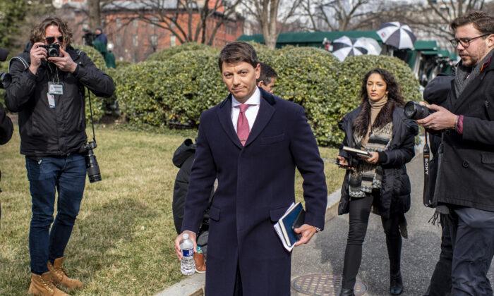 White House Principal Deputy Press Secretary Hogan Gidley arrives to brief the media outside the White House on Jan. 23, 2020. (Eric Baradat/AFP via Getty Images)